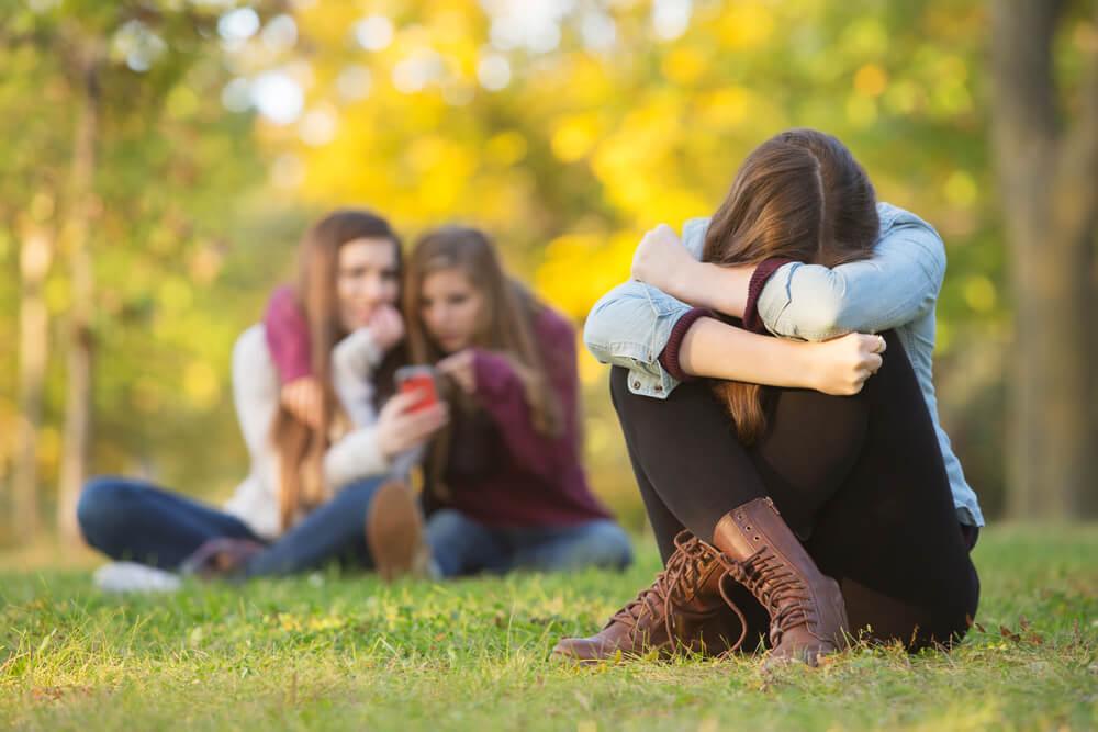Une adolescente victime de harcèlement.