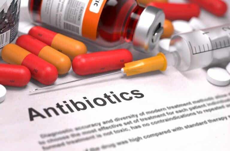 Antibiotiques: classification, types et fonctions