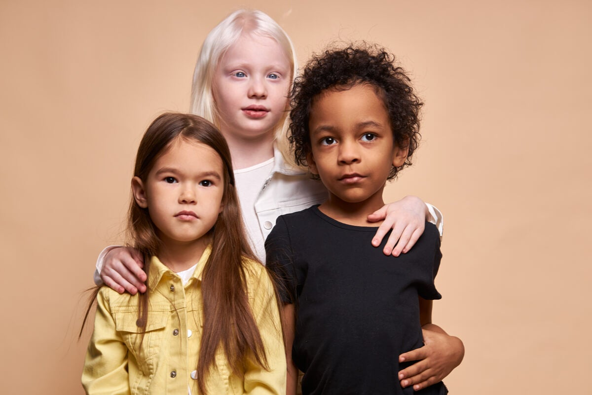 Niños de diferentes razas.