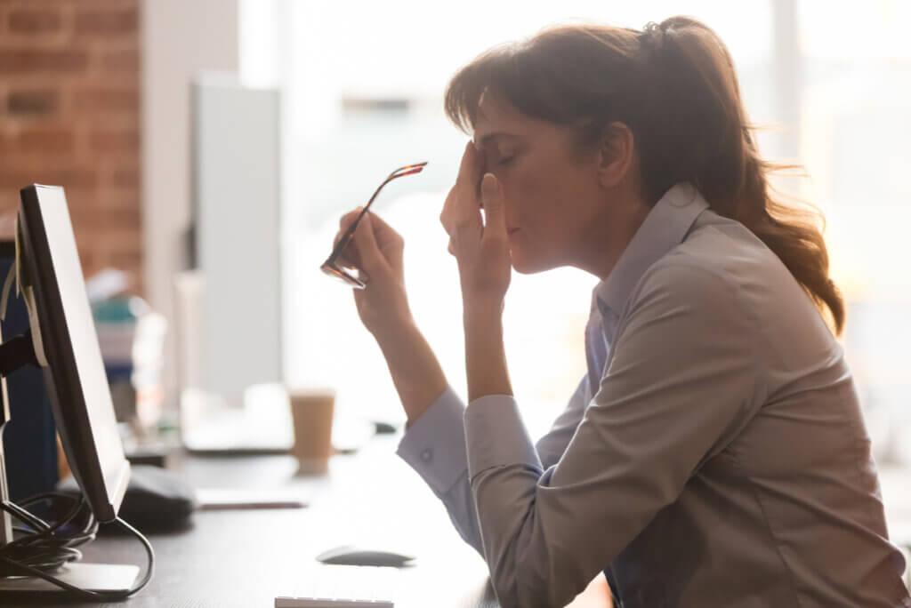 Agotamiento mental: síntomas, causas y cómo evitarlo