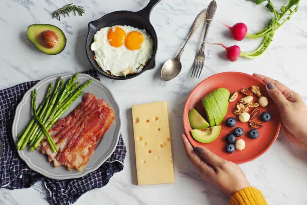 10 alimentos cetogénicos para adelgazar
