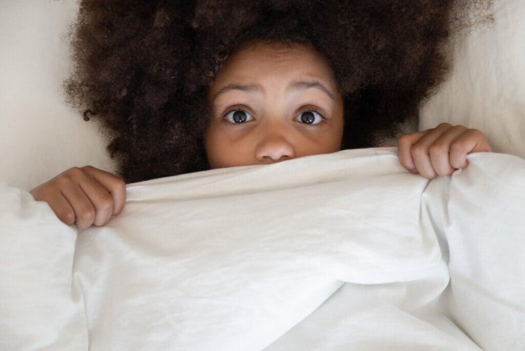 Ataque de pánico nocturno: síntomas, causas y tratamiento