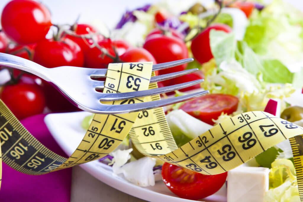 ¿Cuántas calorías hay que comer al día?