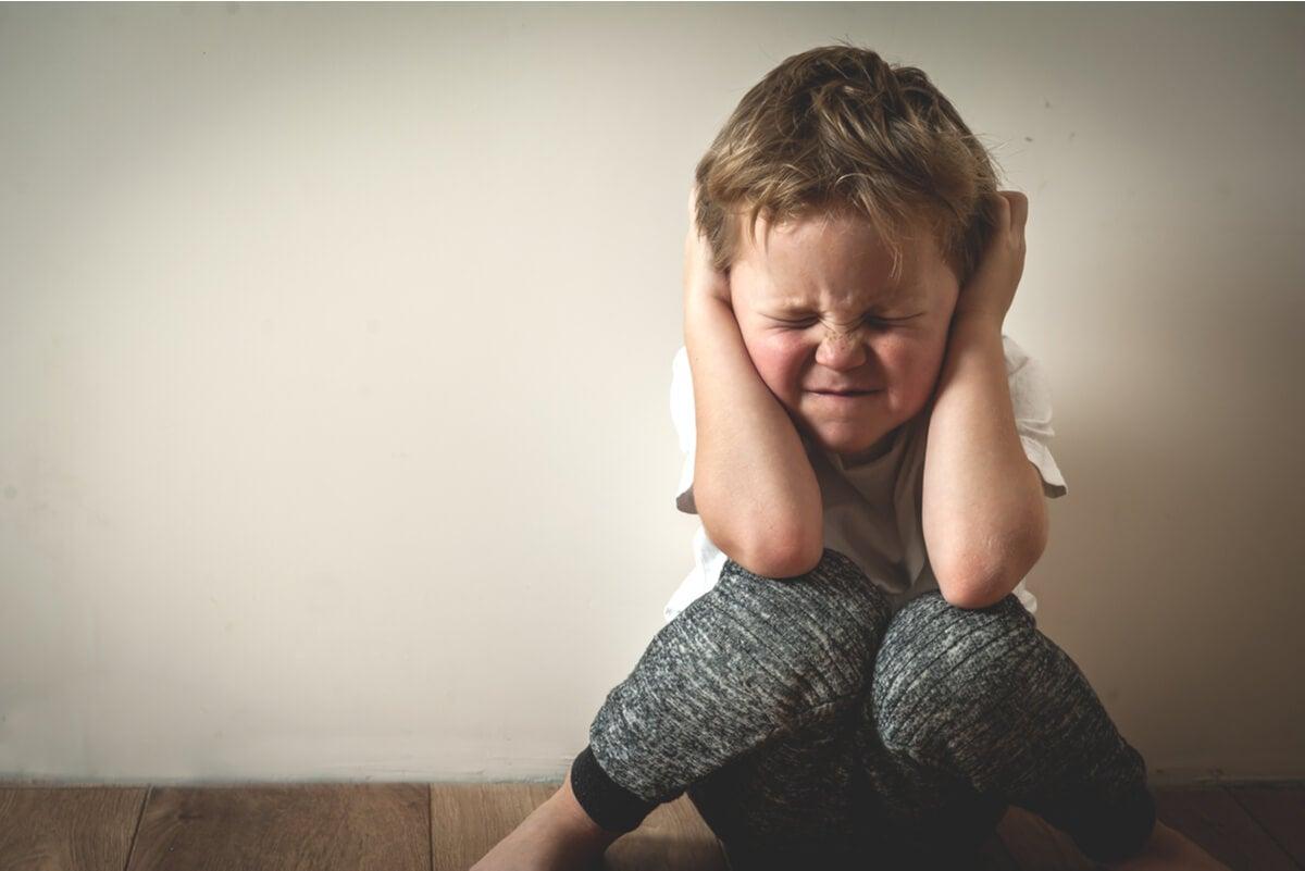 Niño con ansiedad.