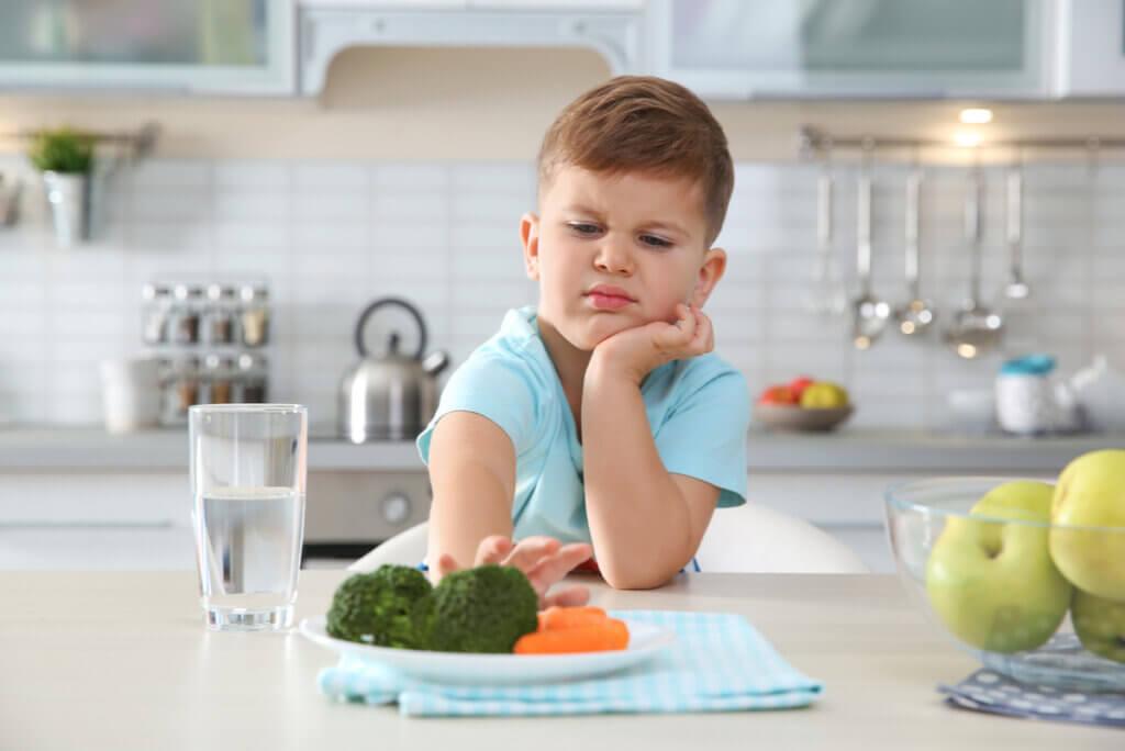 Neofobia alimentaria: síntomas, causas y tratamiento