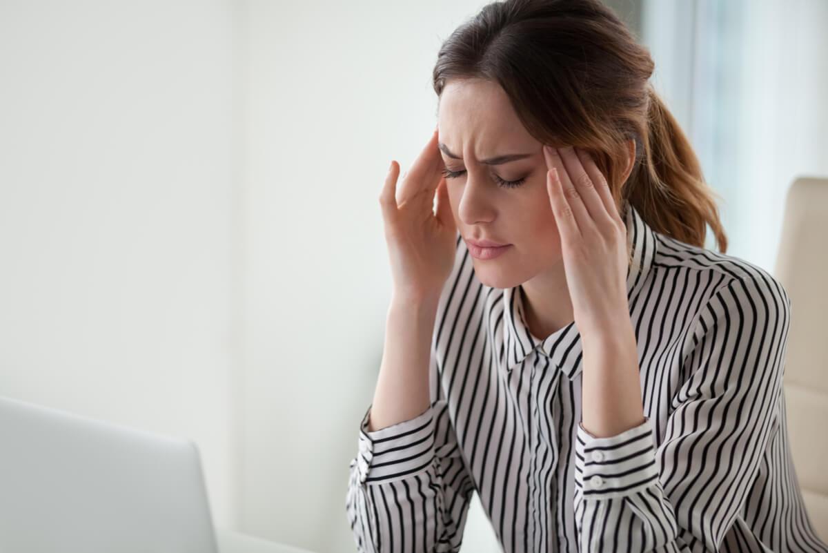 Mujer con ansiedad que consume Tranxilium.