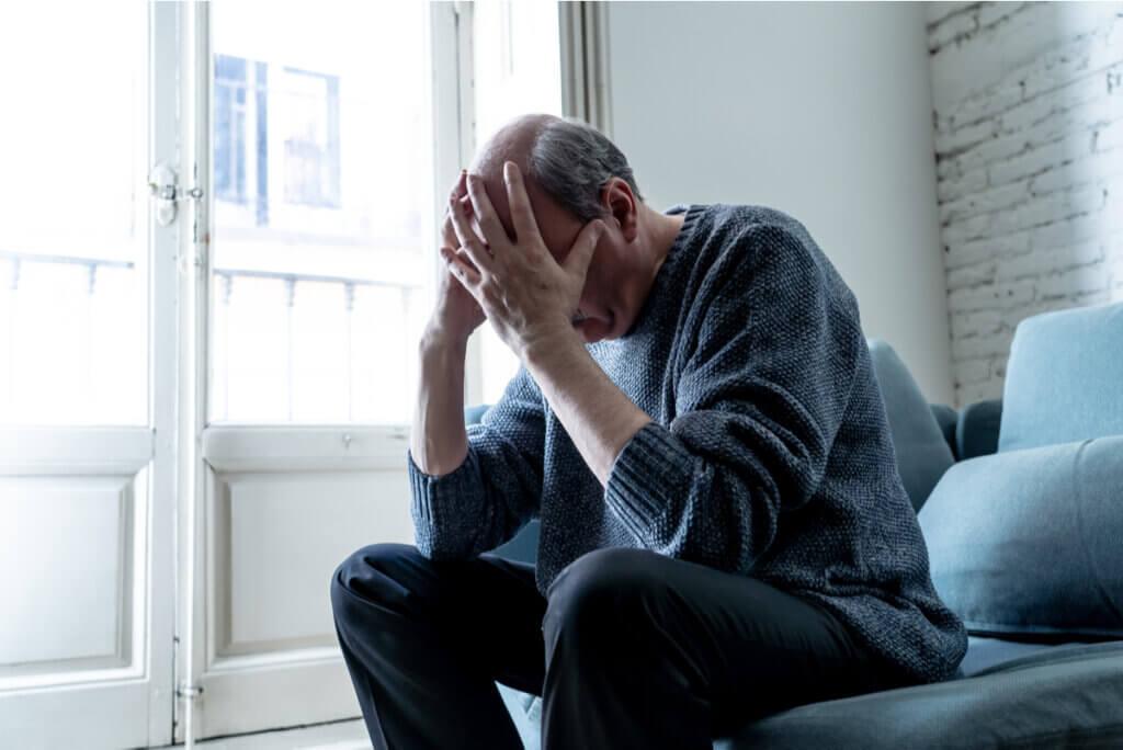 Depresión por pensamientos automáticos negativos.