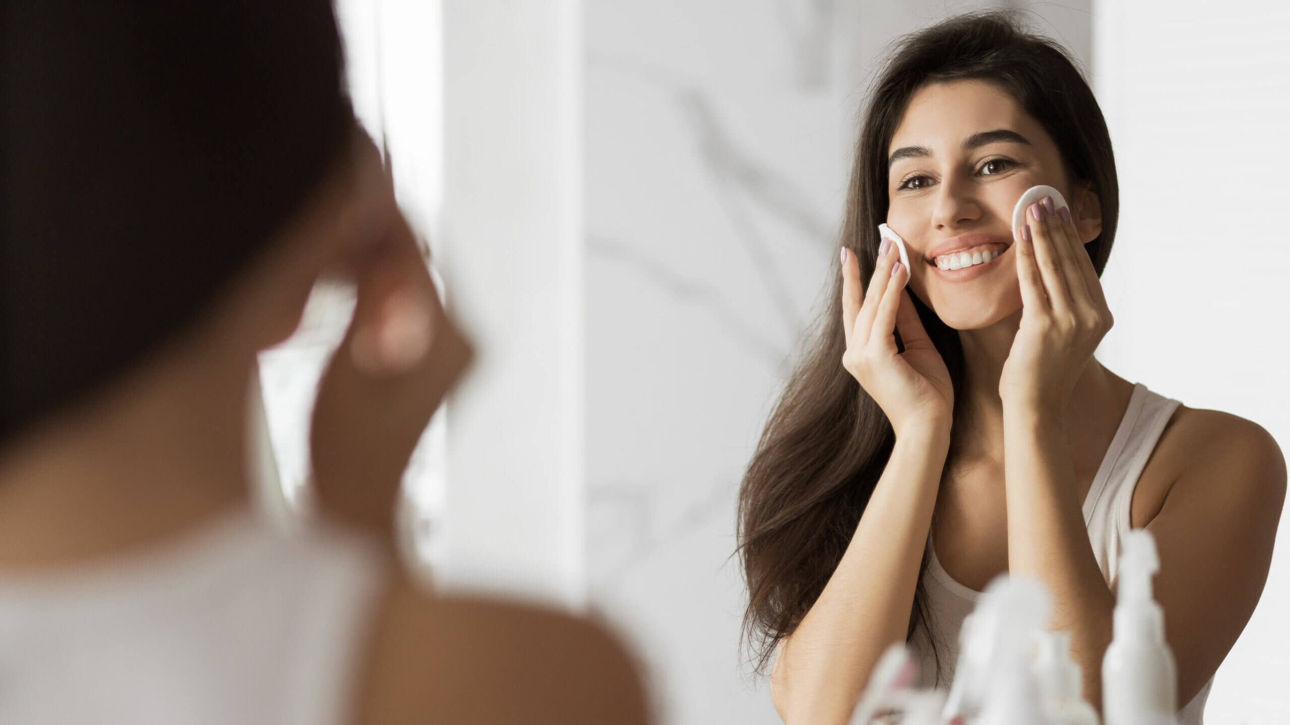 To wash the face properly it is necessary to fulfill a series of steps.