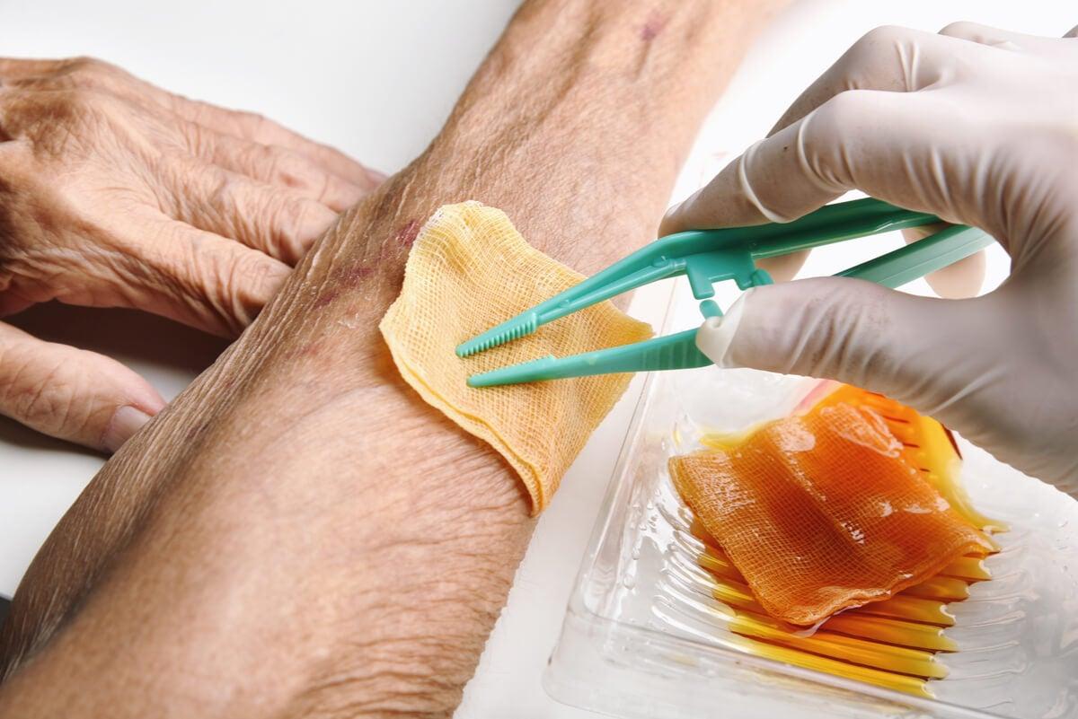 Cómo curar una herida infectada