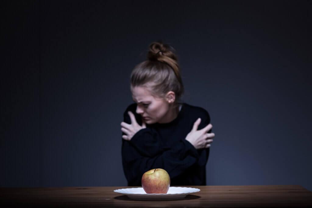 Fagofobia o miedo a tragar: síntomas, causas y tratamientos