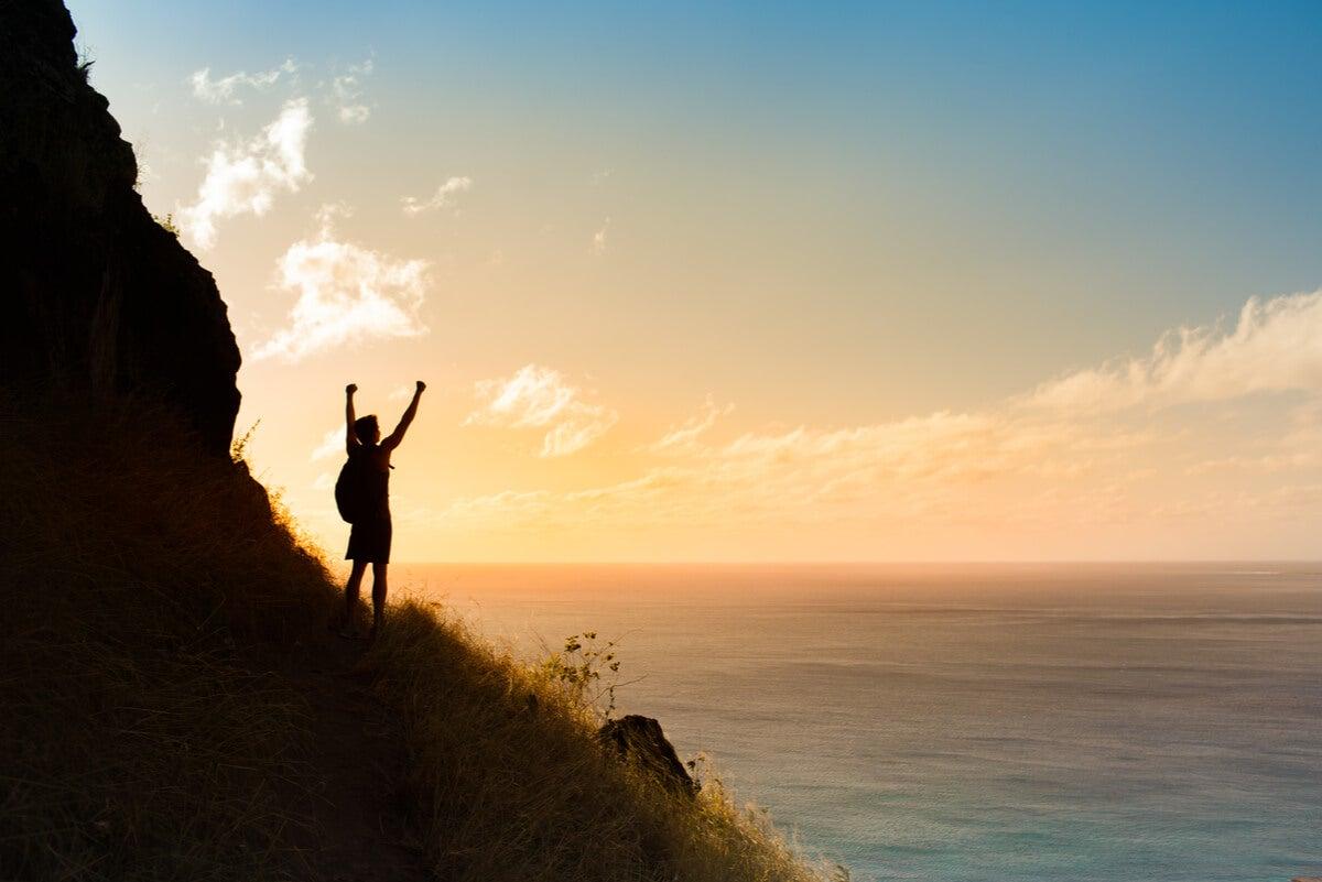 Alcanzar las metas con mindset positivo.