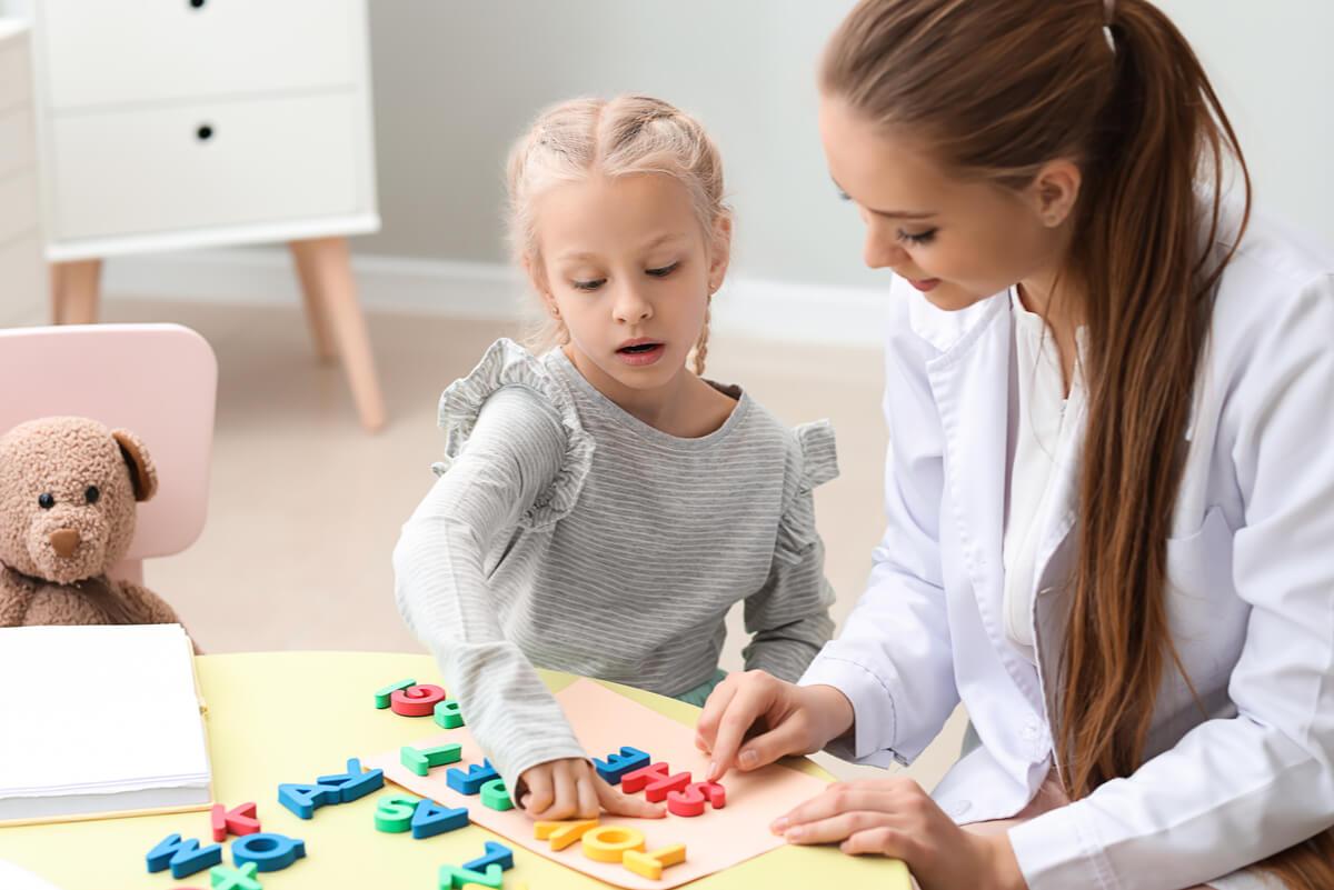 ¿Qué es la dislexia? Síntomas y causas
