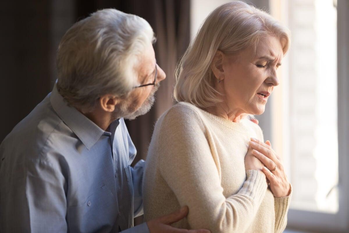 Infarto de miocardio en una mujer.