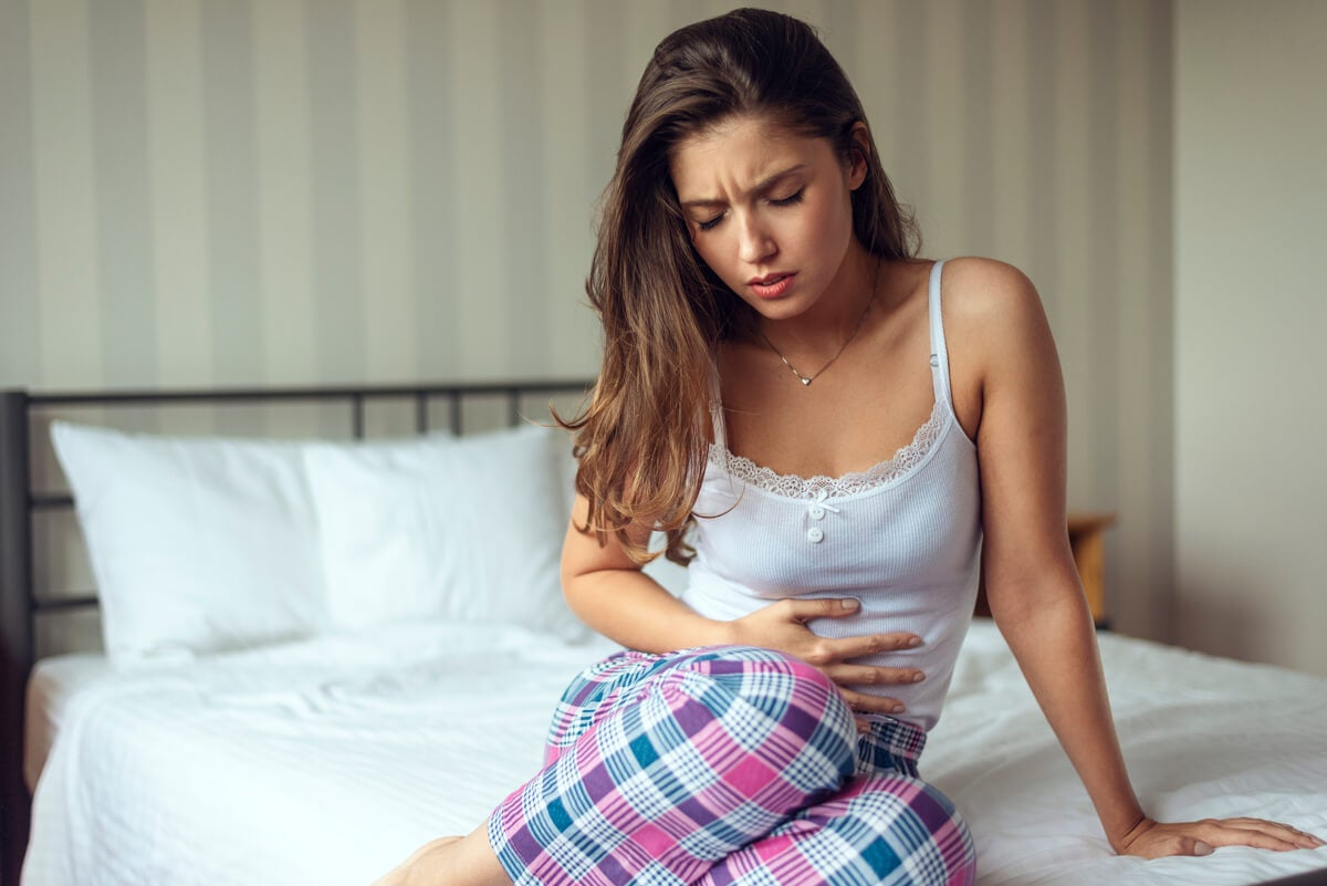 Alteración del ciclo menstrual en una mujer con dolor abdominal.