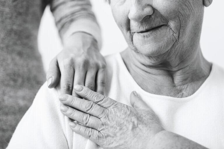 Síndrome del cuidador: qué es y claves para prevenirlo