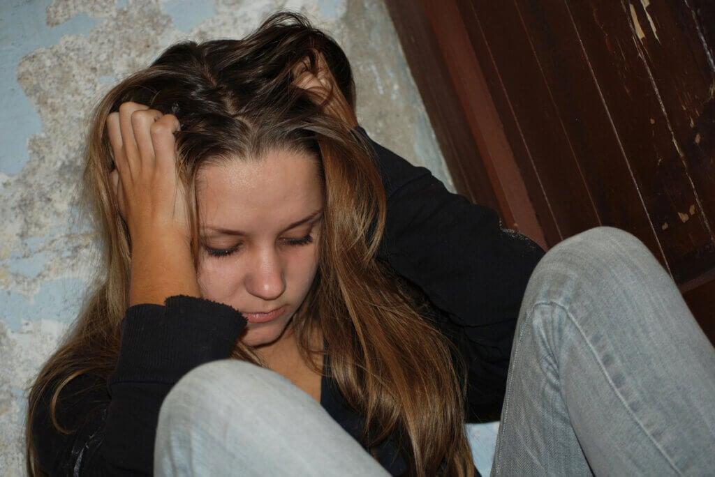 Mujer sufre depresión.