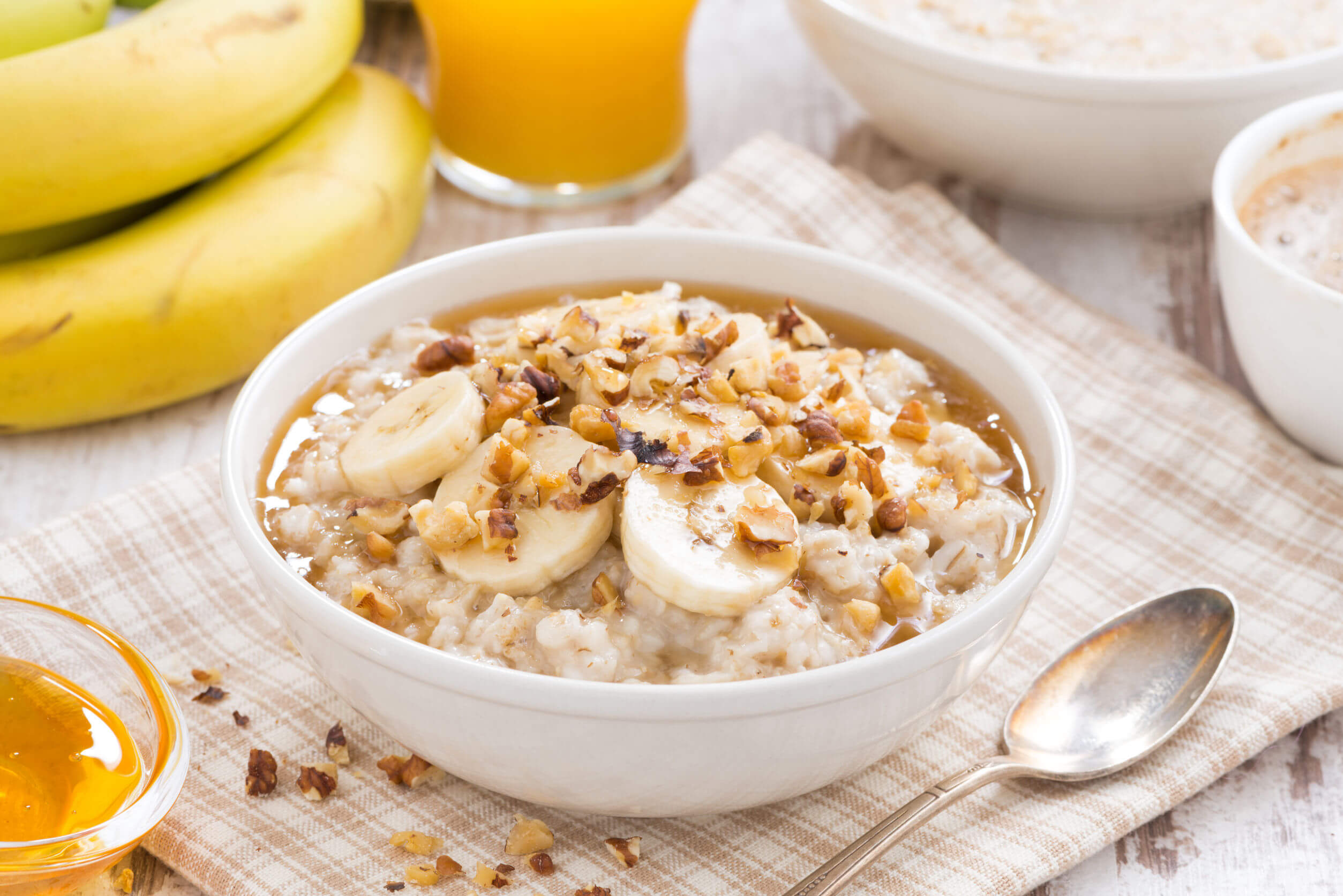 One of the best healthy breakfasts is a good bowl of oatmeal.