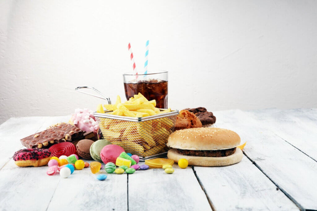 Fried foods and fast food that should not be eaten in diarrhea.