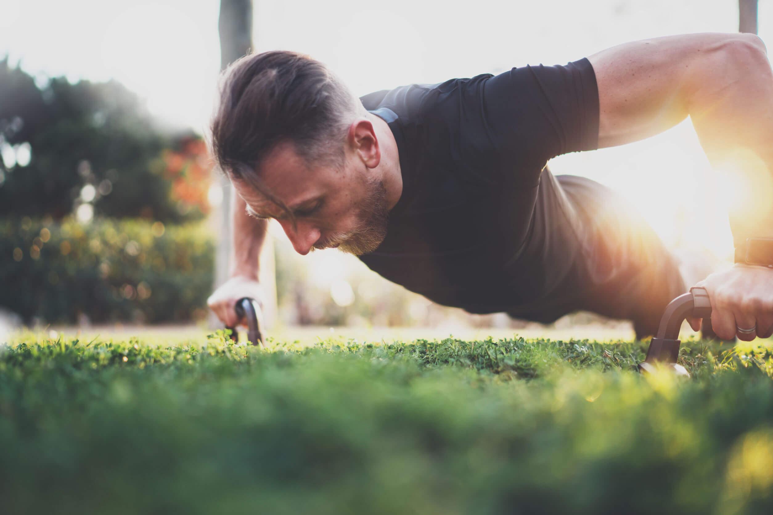 A atividade física diária é essencial para a recomposição corporal.