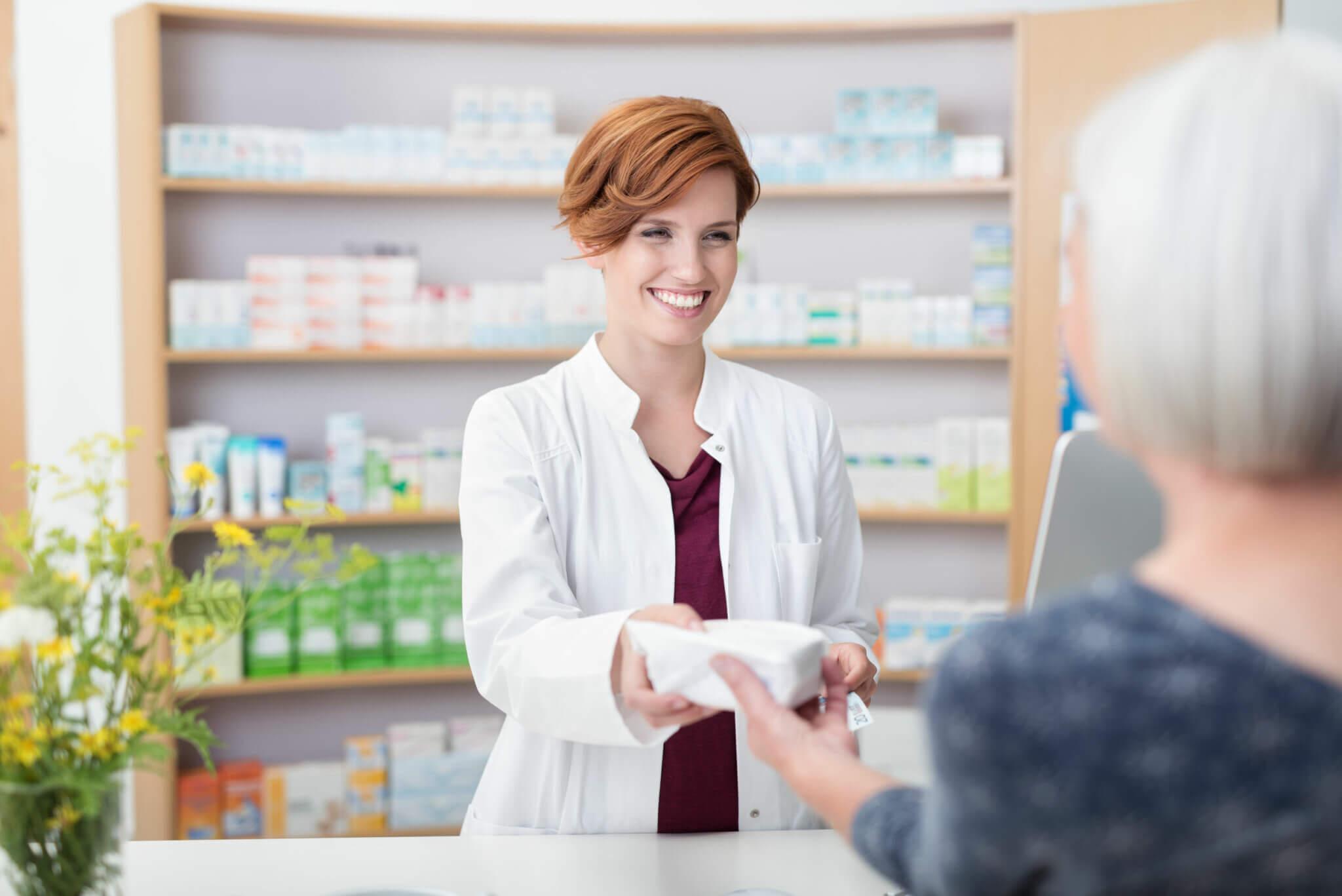 Adquirir medicamentos de receta libre permite reducir los riesgos de la automedicación.