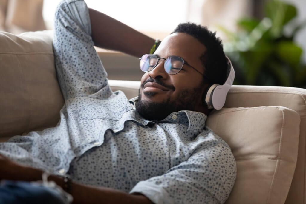 Uso de música para meditar.