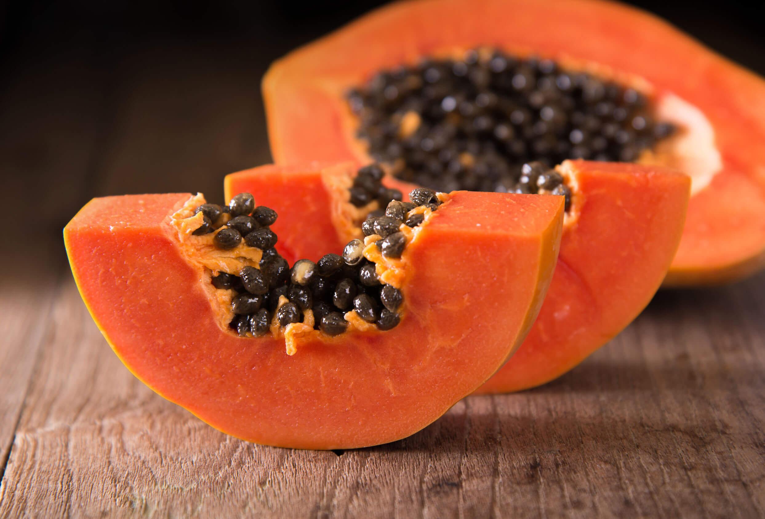 La papaia è ricca di beta caroteni.