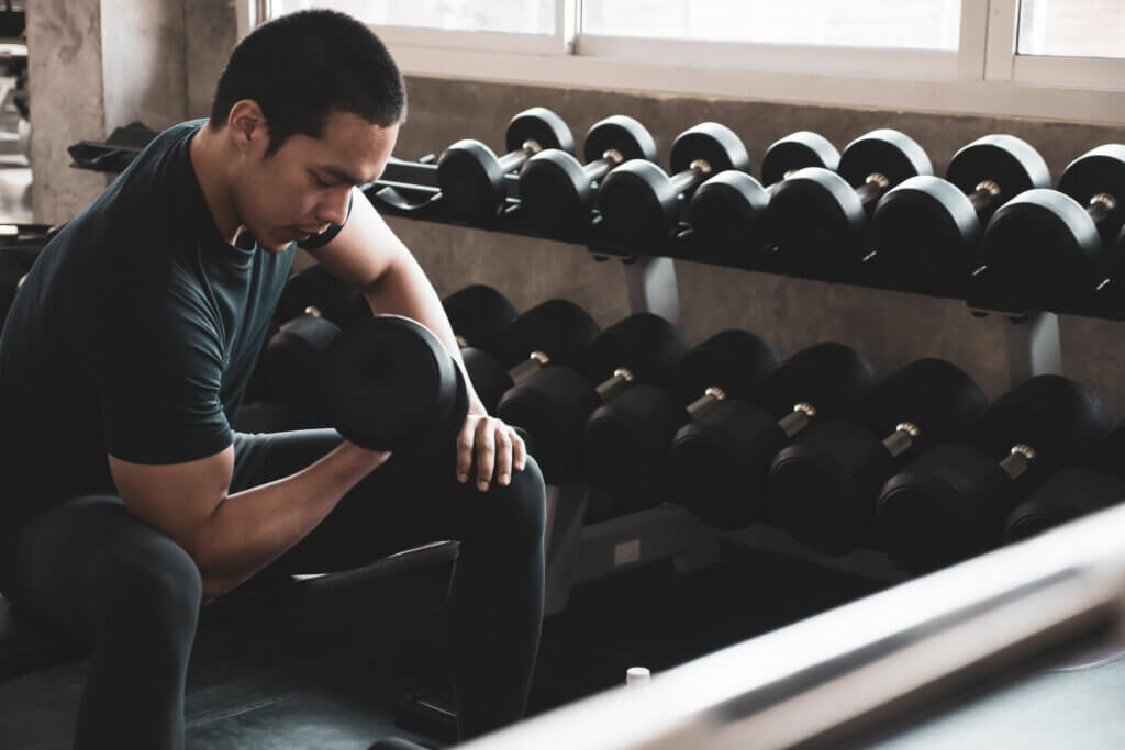 Sports nutrition increases performance during strength training.