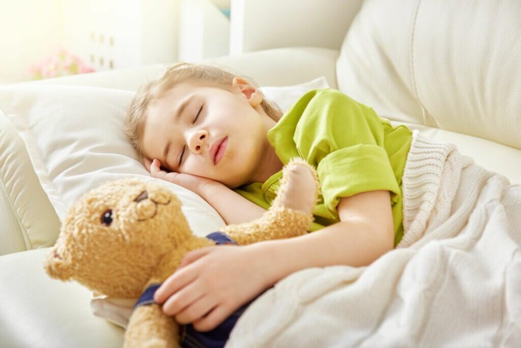 Reposo en niño con bronquitis aguda.
