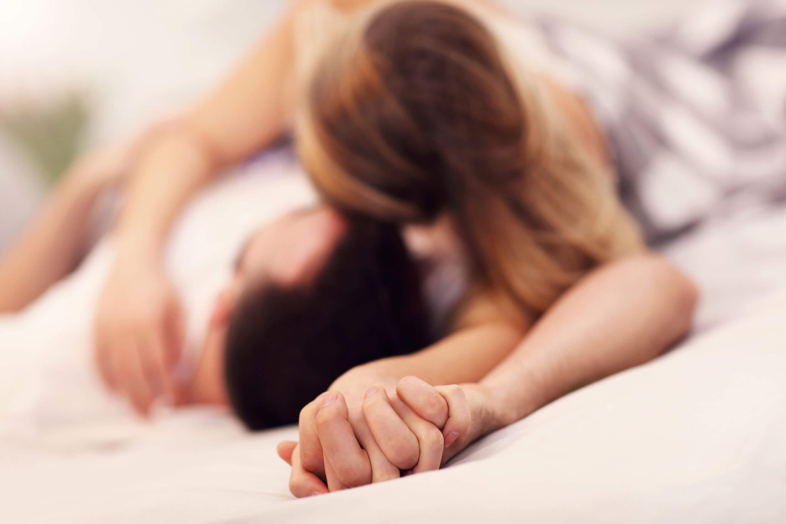 Uno de los principales mitos de la sexualidad es sobre los beneficios del sexo oral.