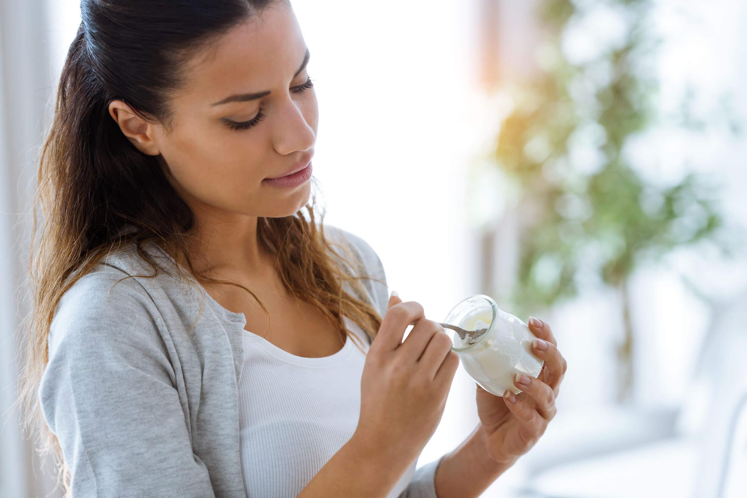 Os psicobióticos podem ser encontrados em alguns alimentos, como o iogurte.
