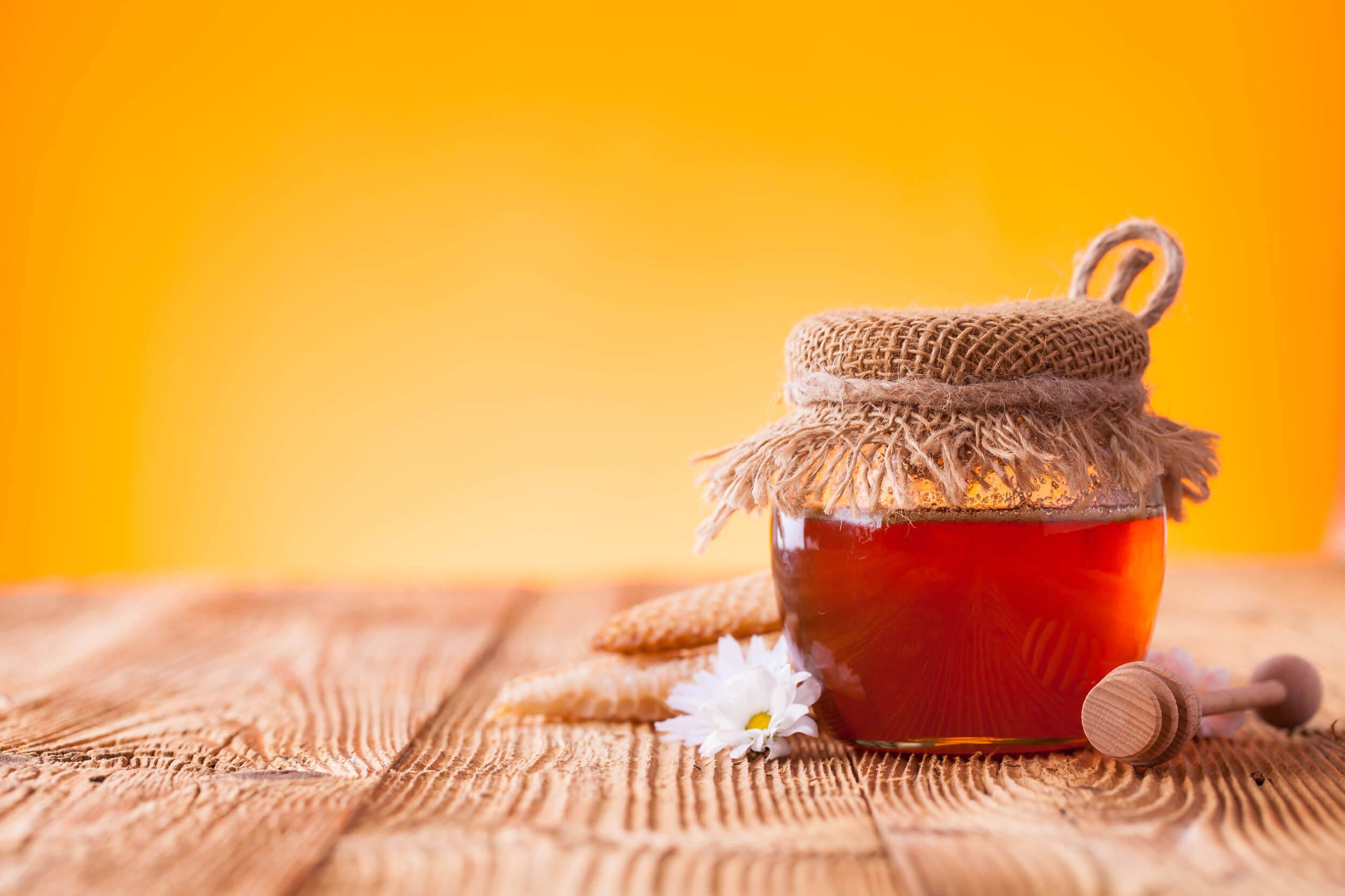 Le botulisme peut résulter de la consommation de miel.