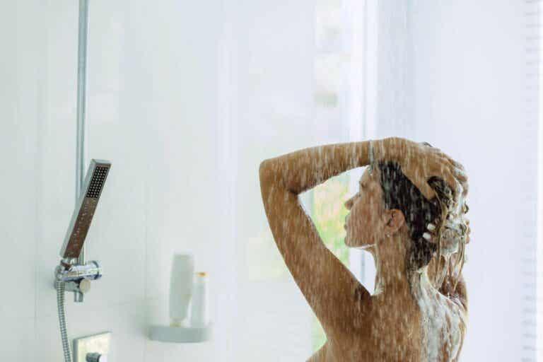 Est-il bon de se doucher tous les jours?