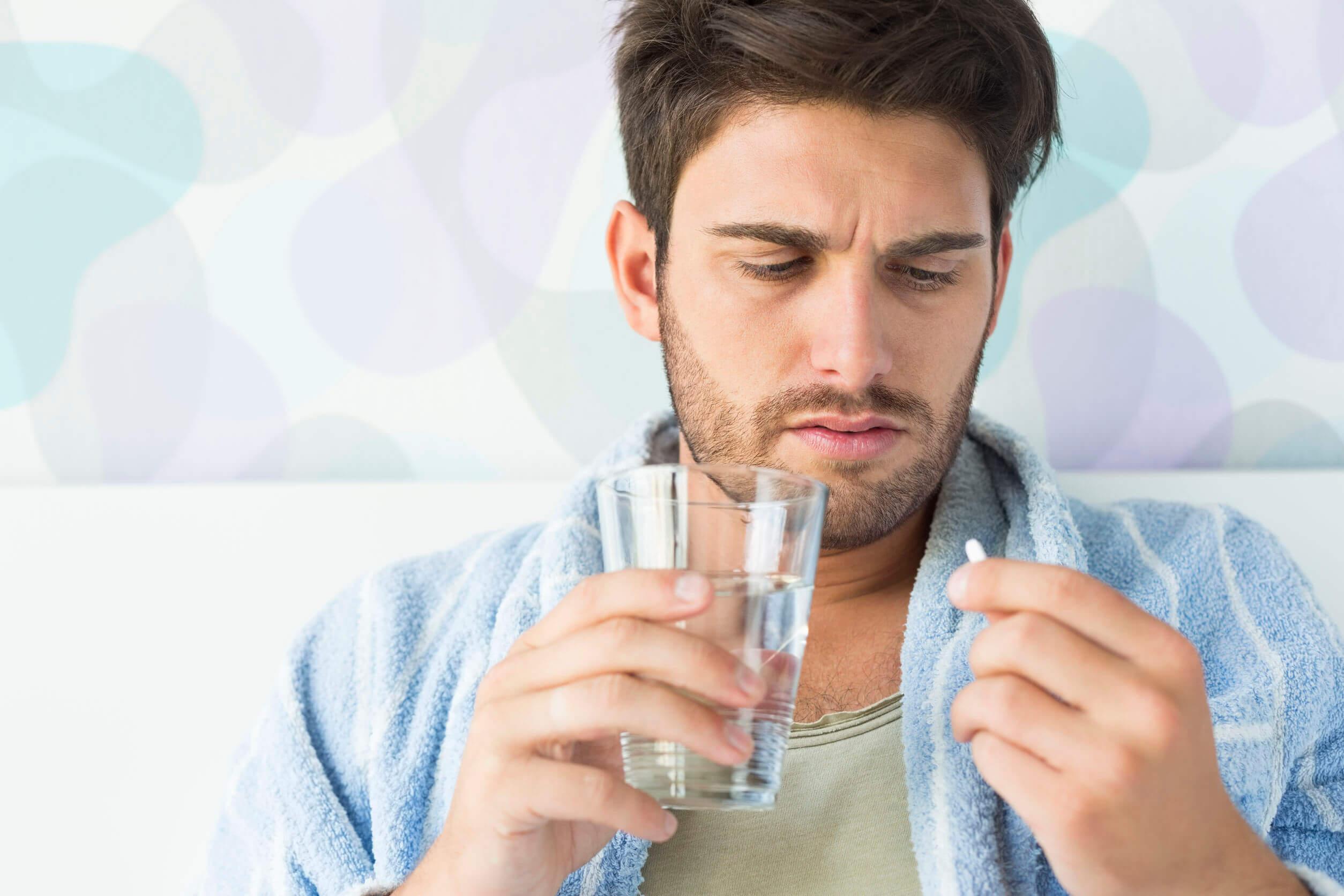 El tratamiento del síndrome del intestino irritable incluye el uso de fármacos