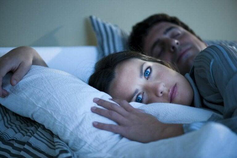 Anxiété nocturne: causes, conséquences et comment la surmonter
