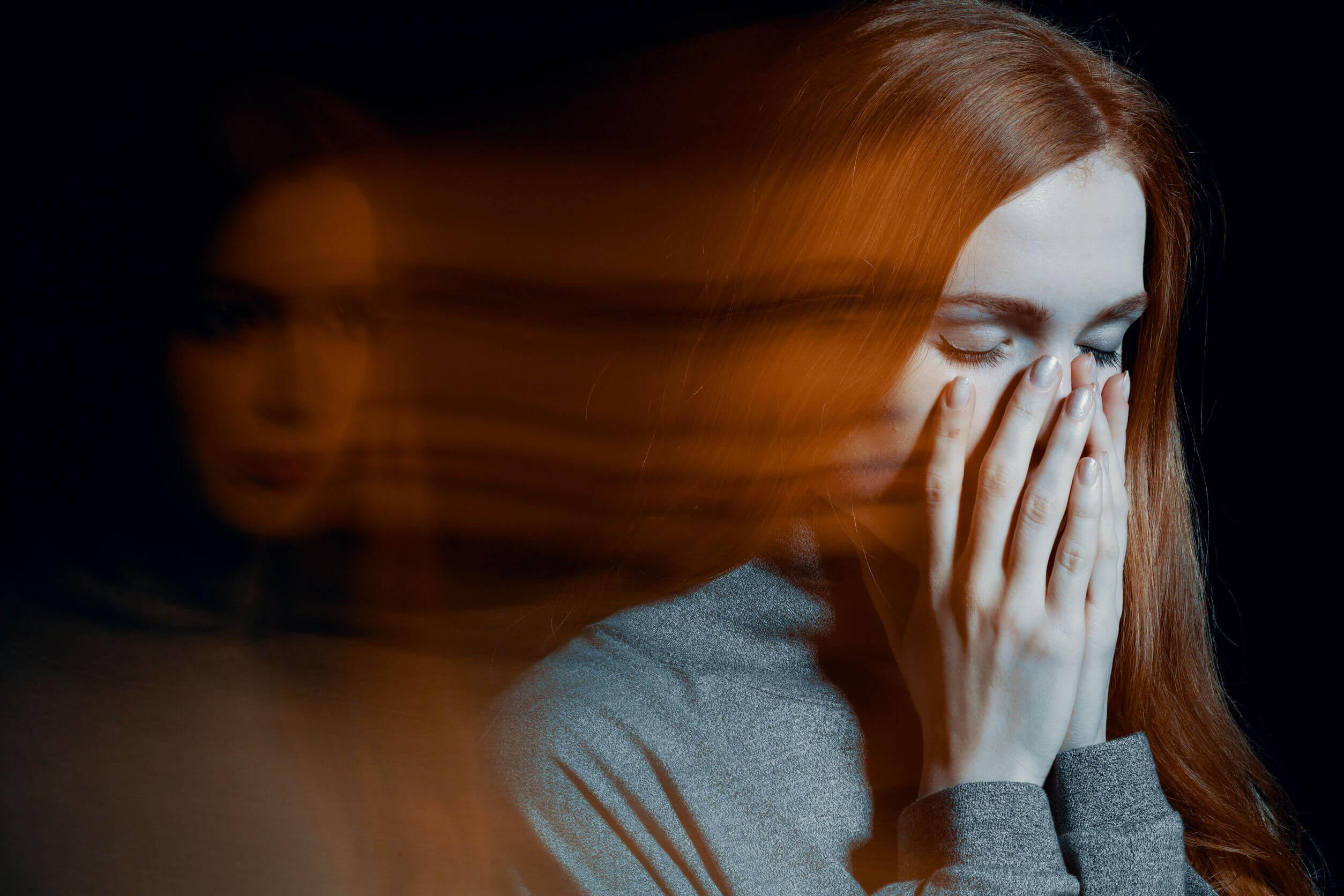 La ansiedad nocturna es común.