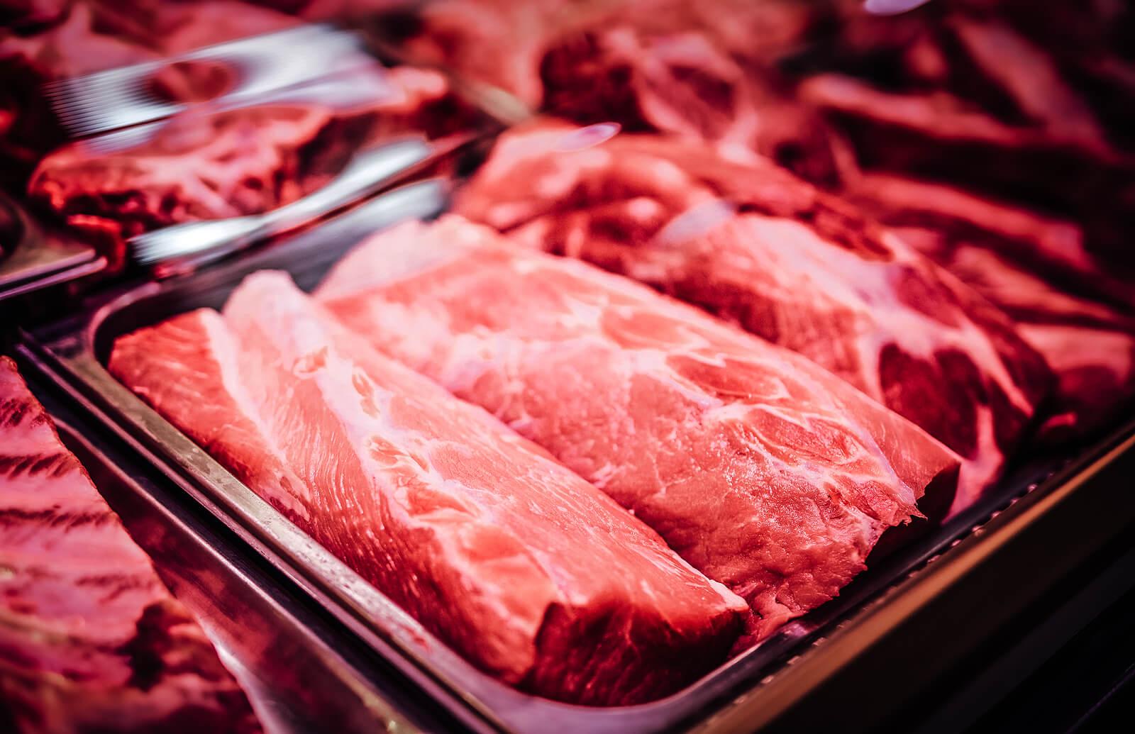 La salmonela puede encontrarse en carnes contaminadas