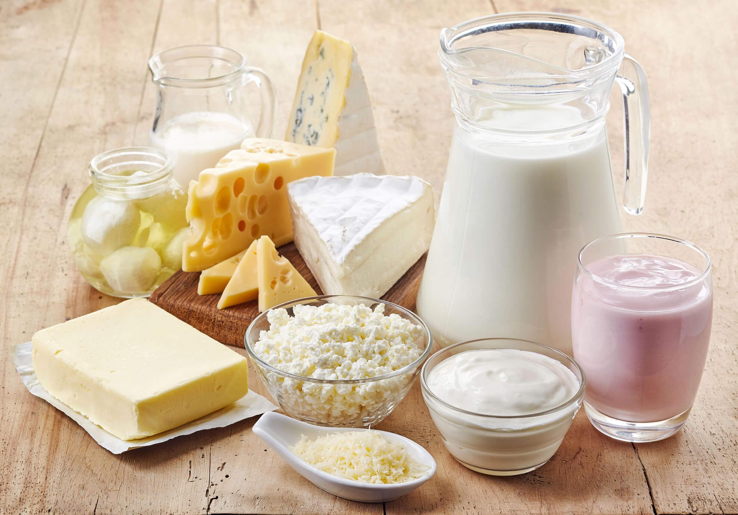 Los alimentos ricos en triptófano incluyen los lácteos.