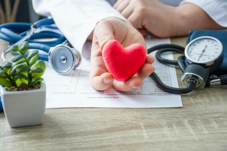 Insuffisance cardiaque: symptômes, causes et traitement