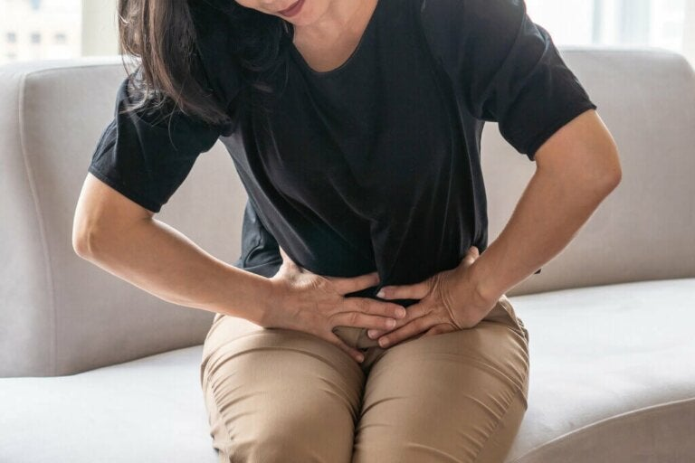 Leaky Gut Syndrome: Symptoms, Causes and Treatment