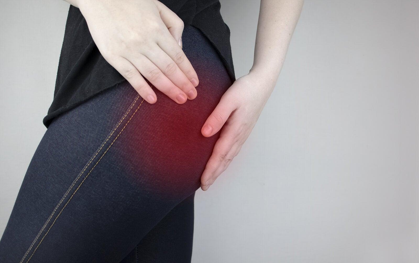 Entre las diferencia entre dolor de riñones y dolor lumbar están las características del dolor y los síntomas asociados