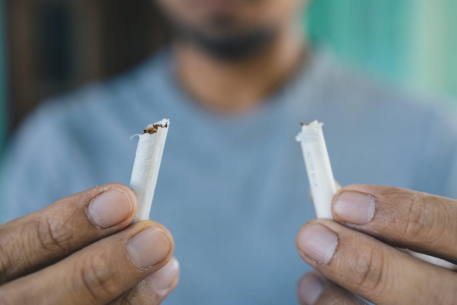 As causas do câncer de pulmão incluem o tabagismo.