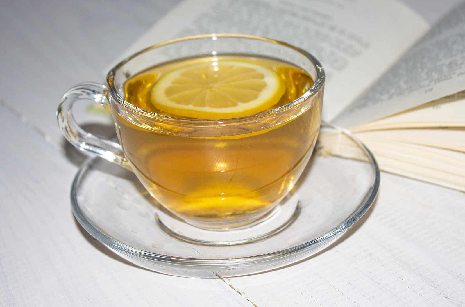 El té es uno de los alimentos termogénicos.