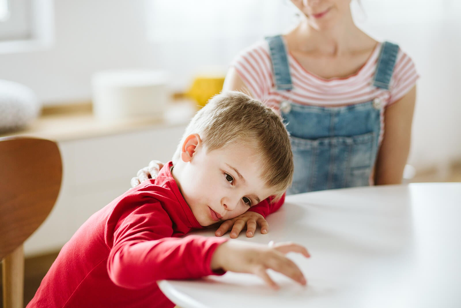miti sull'autismo: l'autismo non è causato dalla mancanza di affetto