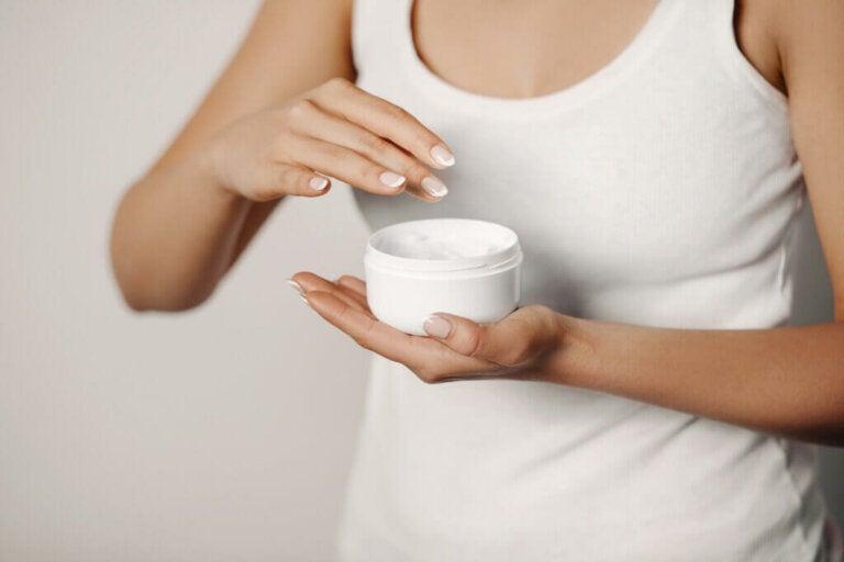 Acido glicolico: come usarlo per la cura della pelle