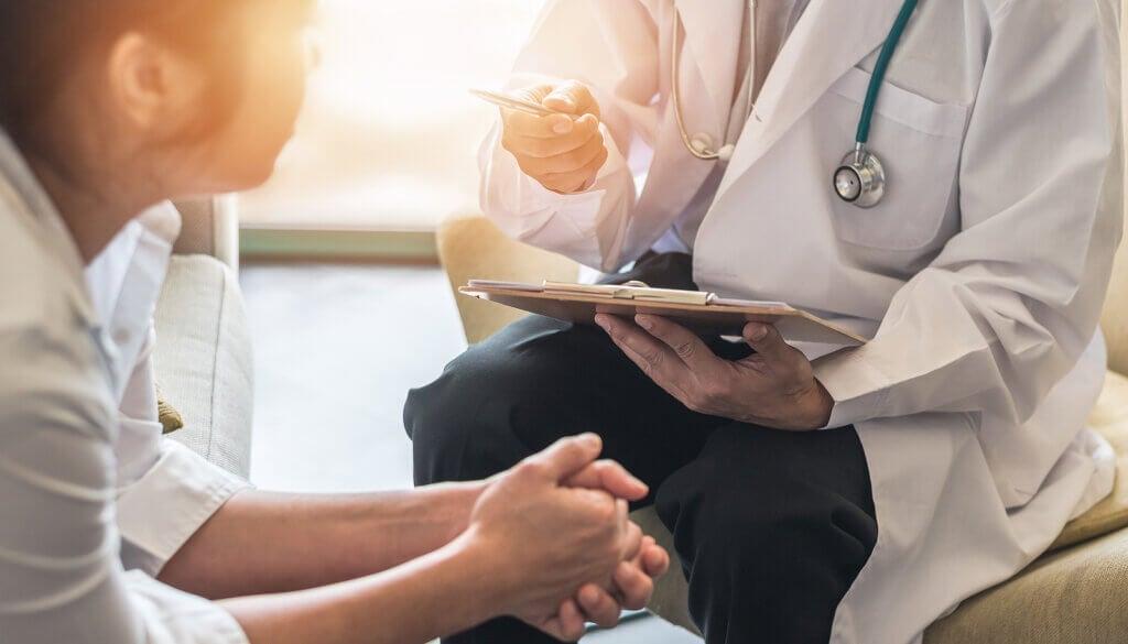 Menopausa prematura e precoce: cause, sintomi e trattamento