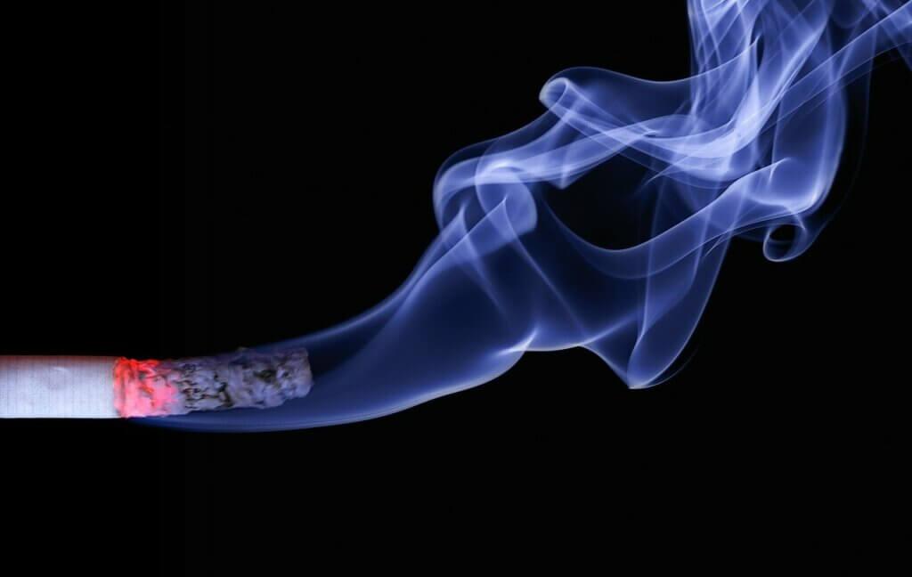 Humo del cigarrillo en la hipertensión.