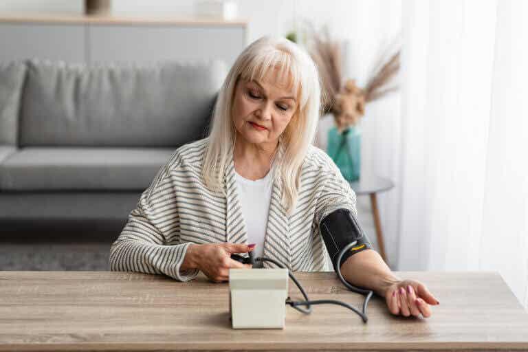 Cómo medir la presión arterial en casa