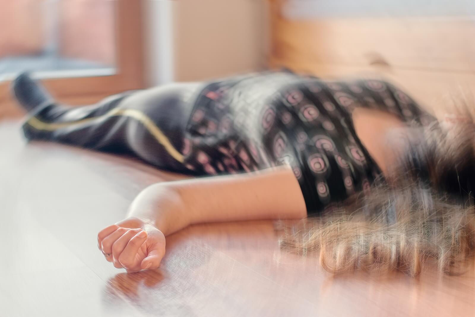 Los síntomas de la anafilaxia incluyen hipotensión y desmayos