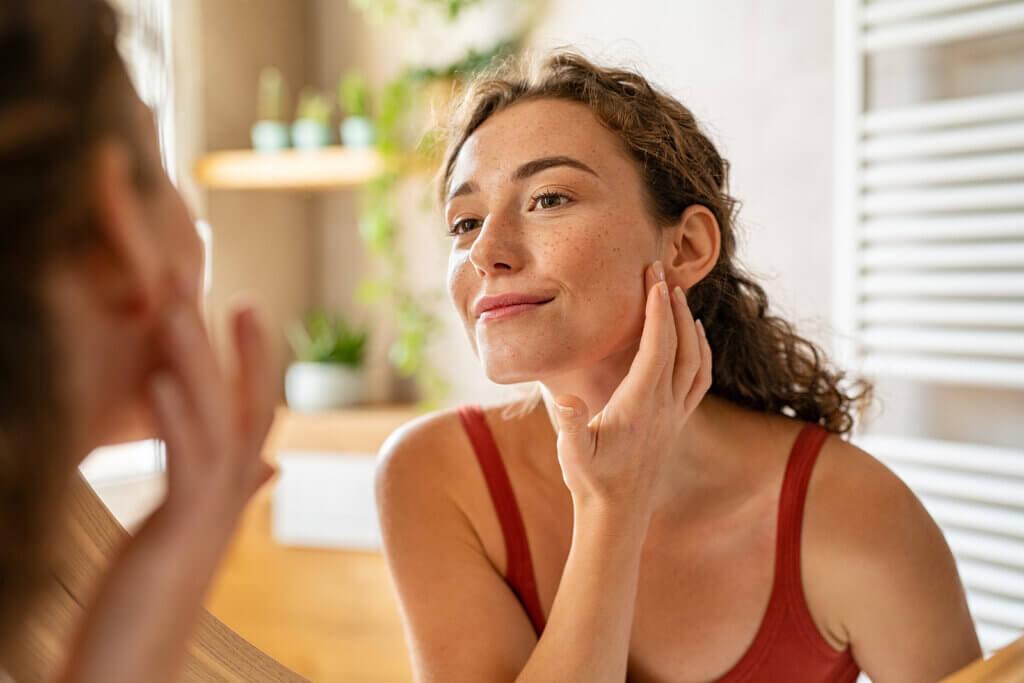 Cómo afecta el ciclo menstrual al acné