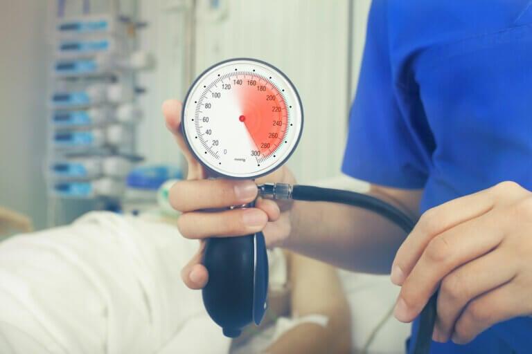 ¿Qué es una crisis hipertensiva?